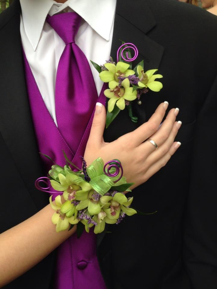 The carmel florist boutonnieres corsages boutonnieres corsages freerunsca Image collections